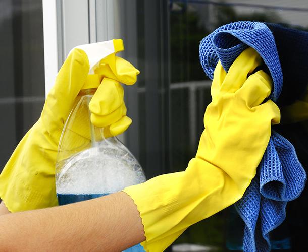 Wassen van ramen, rolluiken en veranda's